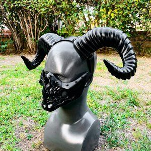 Steampunk Black Mouth Skull Mask & Horn Halloween